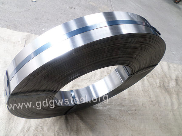 C67S-spring-steel-strip-hardened-and-tempered
